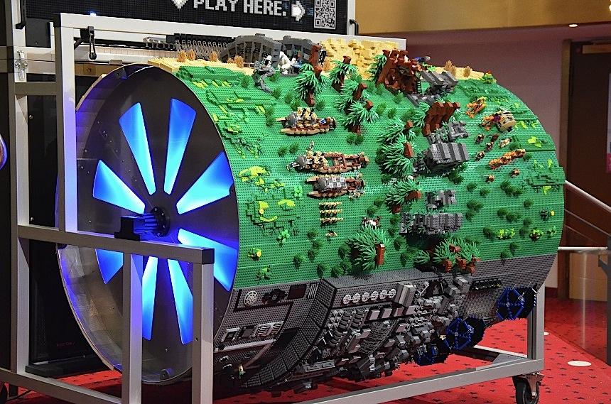 Un cilindro fatto di Lego suona il tema di Star Wars